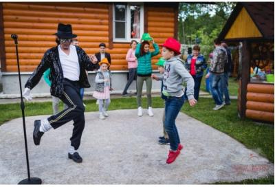 """Танцевально-музыкальное шоу """"Лунная походка"""""""
