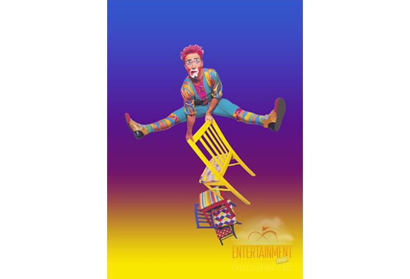 Цирковой номер - Эквилибр на стульях