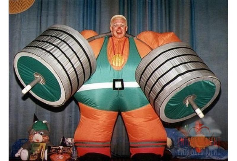 Цирковой номер - Надувной силач